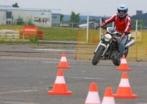 Курсы вождения мотоцикла в Днепродзержинске, мотошкола, категория А, А1, мотокурсы